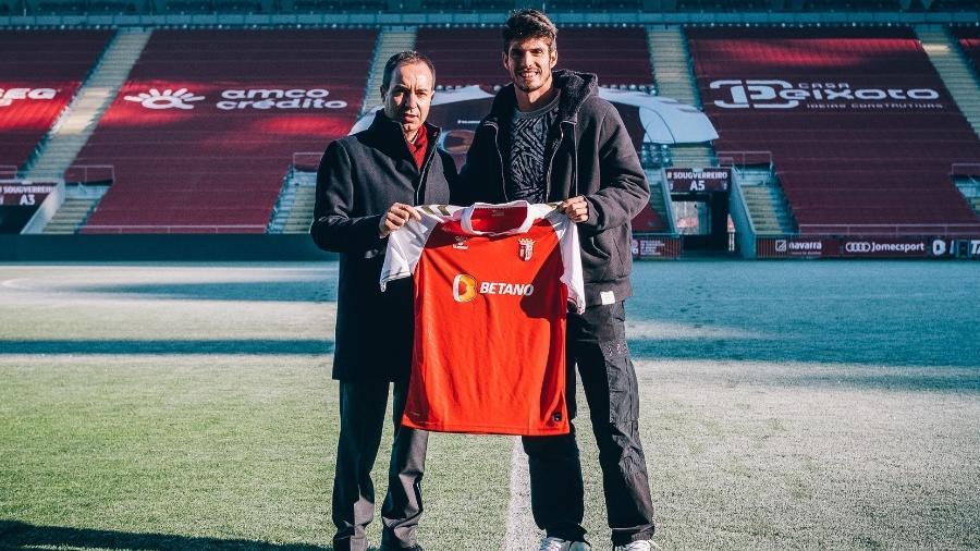 Meia assinou vínculo com o clube português até 2025 - Reprodução/SCBraga