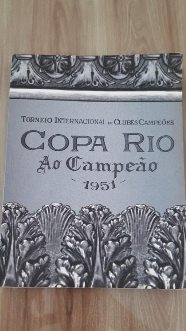 Dossiê entregue pelo Palmeiras à Fifa para validar título de 1951