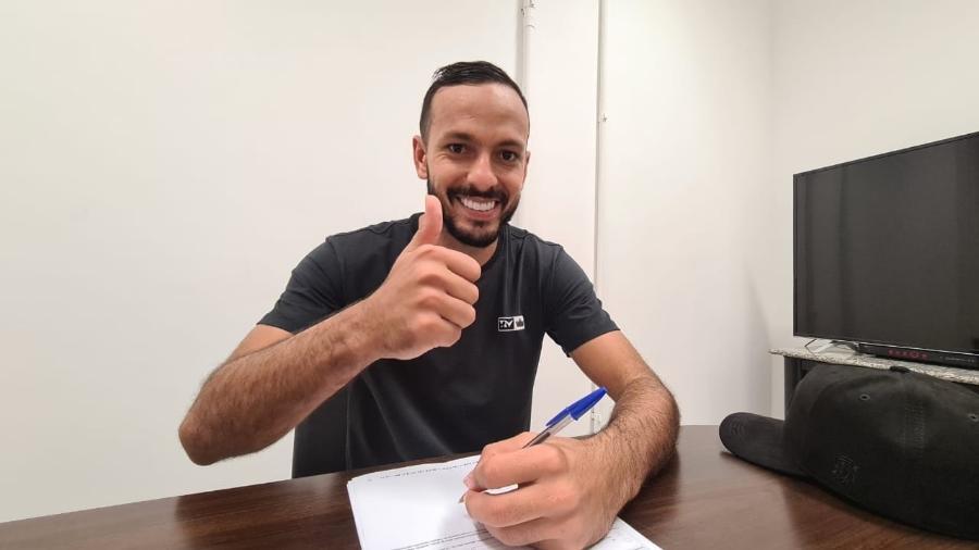 Yago Felipe, meia do Fluminense, renova contrato até o final de 2022 - Reprodução