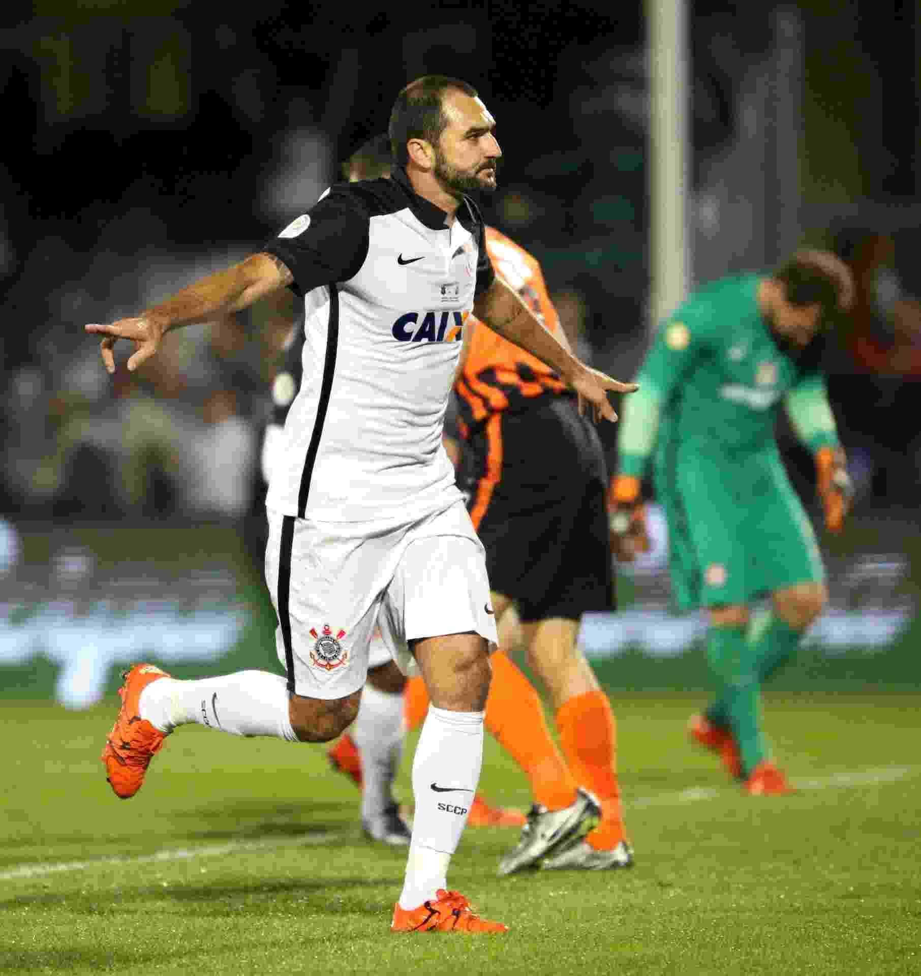 Danilo comemora o seu gol pelo Corinthians contra o Shakhtar pela Florida Cup - AFP / Gregg Newton
