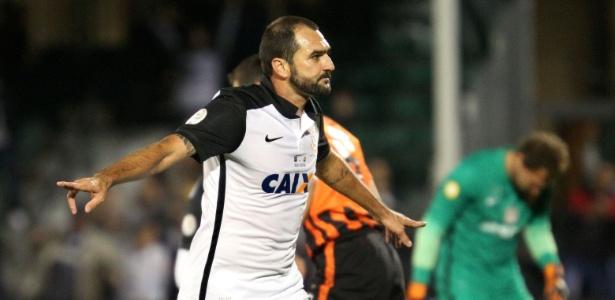Danilo será titular no clássico deste domingo contra o São Paulo