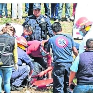 Corpo de mulher de 22 anos foi achado numa vala próxima a campo no México