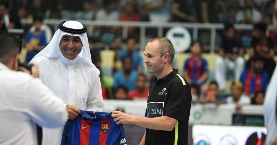 Andrés Iniesta participa da 38ª edição do Al Roudhan Ramadan Football Tourmanent, torneio de futsal no Kuwait