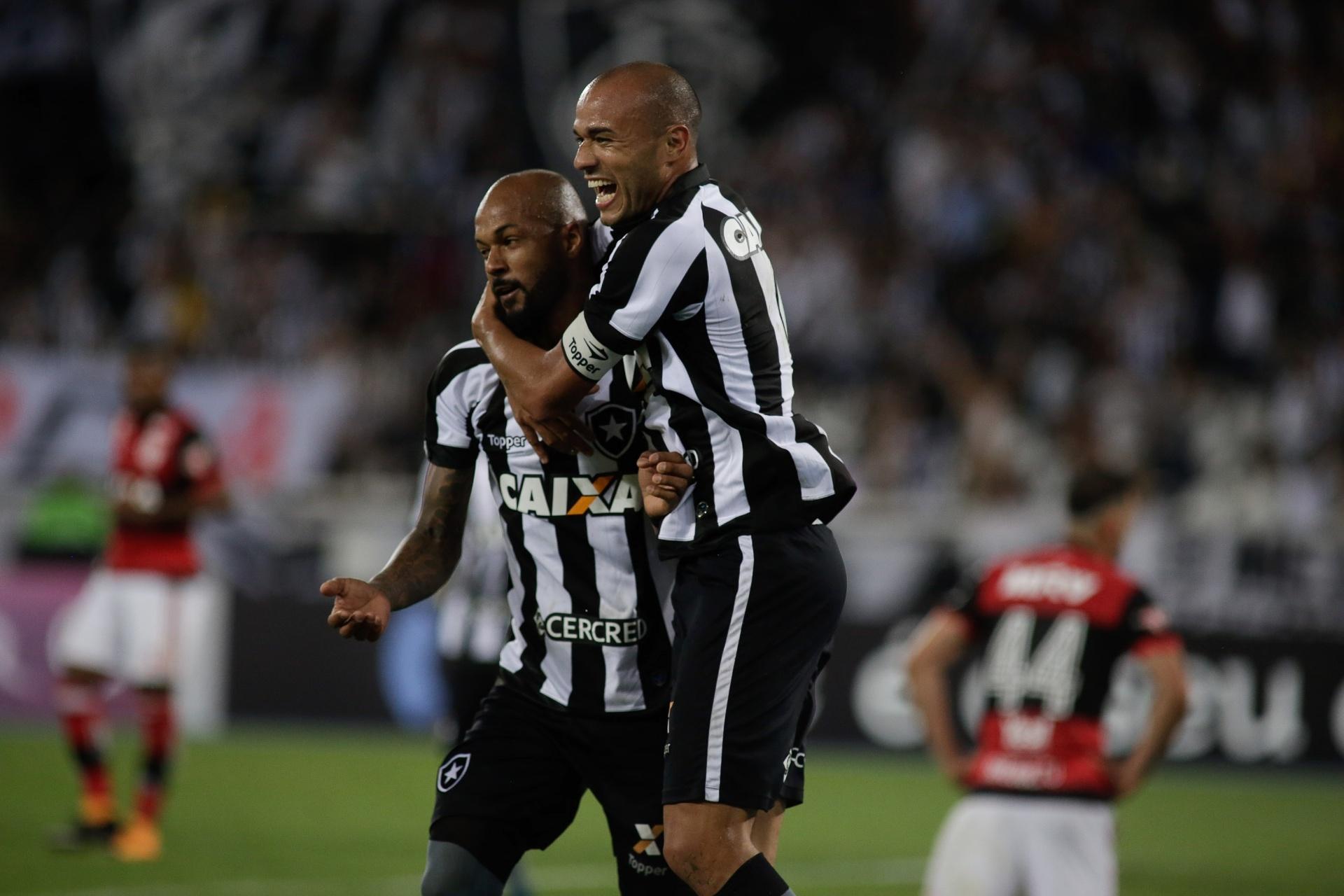 4d6eabc7e2 Inter supera Corinthians e acerta com Roger por dois anos - 20 11 2017 -  UOL Esporte