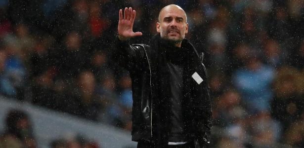 O técnico Pep Guardiola na partida entre Manchester City e Watford