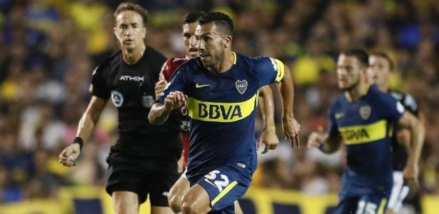 Na Bombonera, Tévez deu assistência para gol do uruguaio Nández contra o Colón