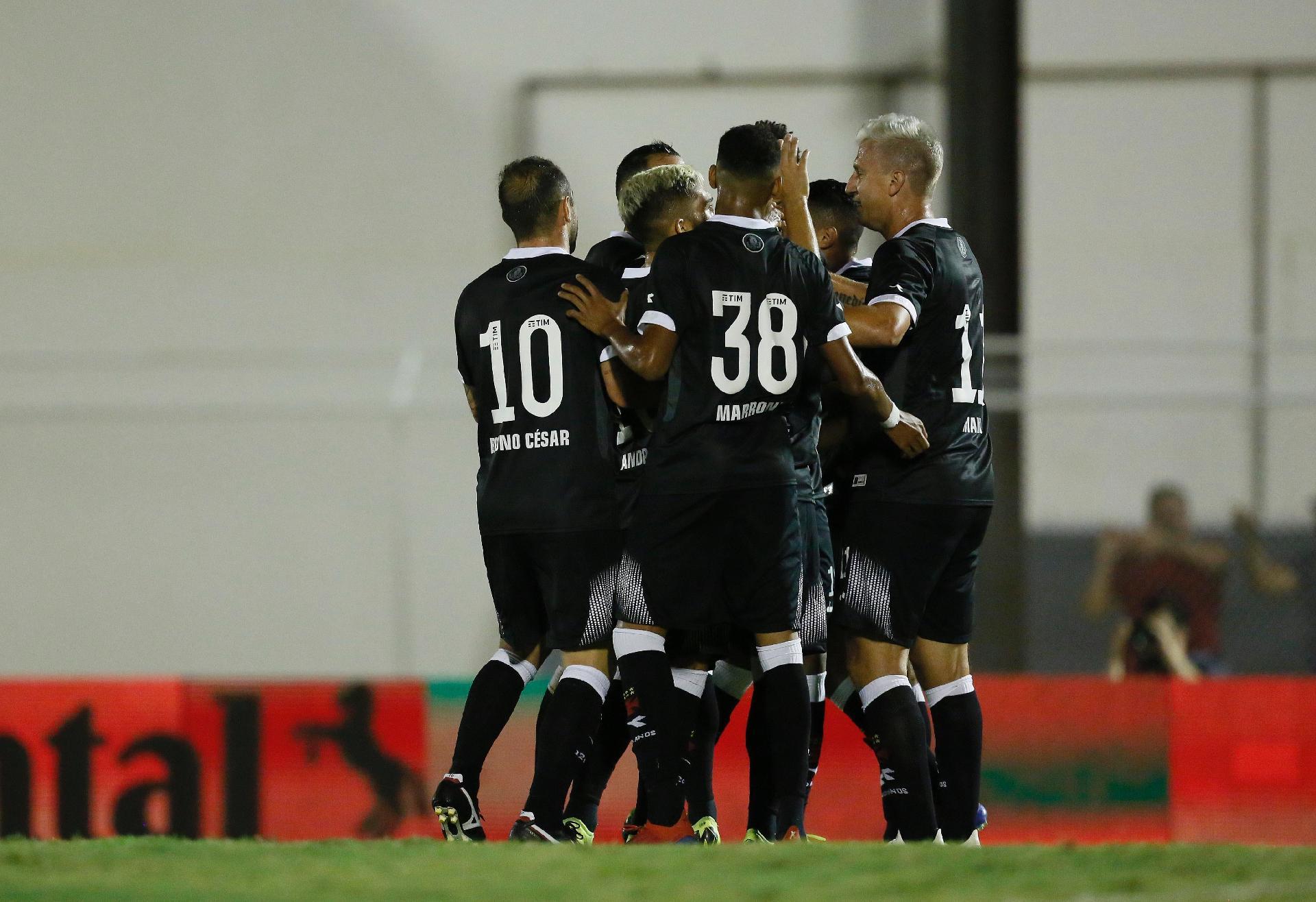 71c872afdb Vasco passa sufoco com Juazeirense e avança na Copa do Brasil com empate no  fim