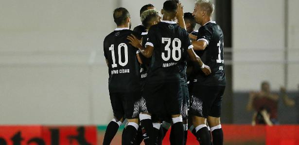 Vasco passou sufoco, mas avançou ao empatar com a Juazeirense em 2 a 2