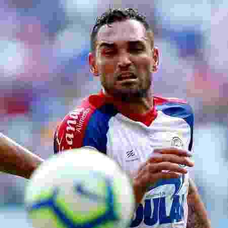 """Gilberto, do Bahia, mostra a marca """"Esquadrão"""" - Felipe Oliveira / EC Bahia"""