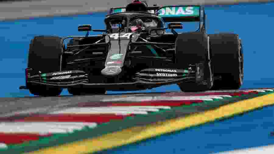 Lewis Hamilton durante os treinos livres do GP da Áustria - LAT/Mercedes