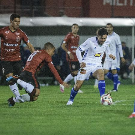 Dividida durante Brasil de Pelotas x Cruzeiro, pela Série B do Campeonato Brasileiro, no Bento Freitas - Gustavo Aleixo/Cruzeiro