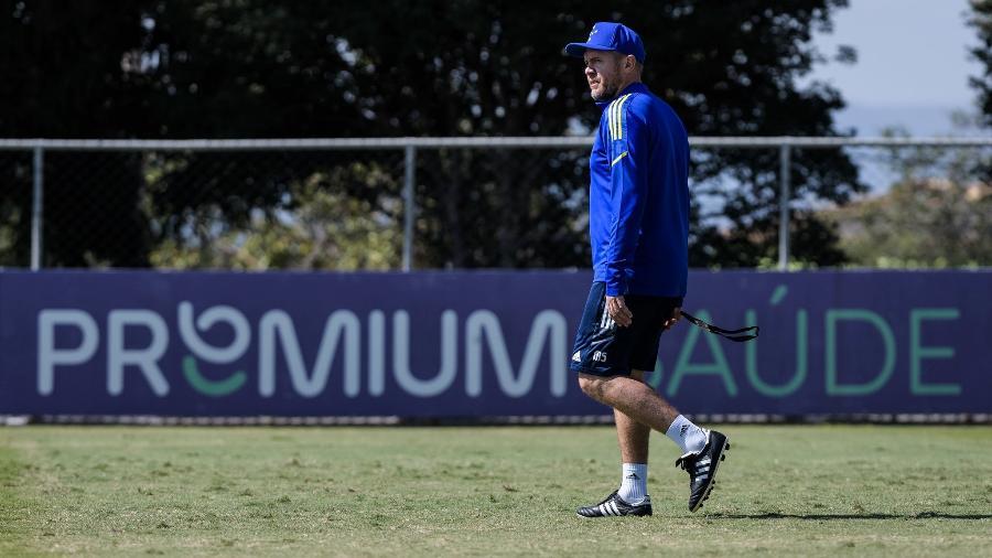 Mozart em ação durante treino do Cruzeiro - Gustavo Aleixo/Cruzeiro