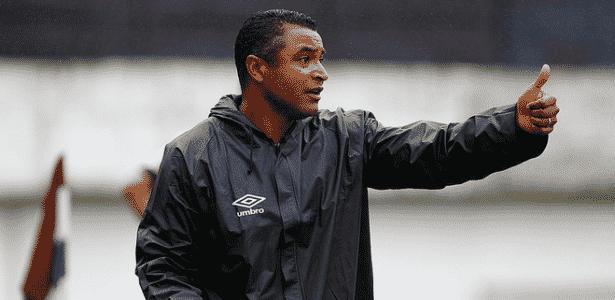Roger Machado não acredita que um time possa abrir vantagem em relação aos demais - Lucas Uebel/Divulgação/Grêmio