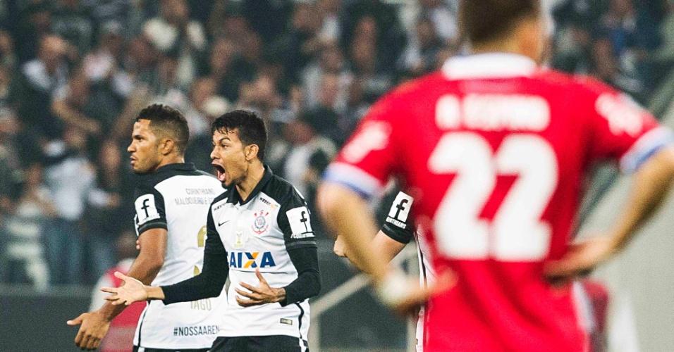 Lucca comemora o seu gol de empate pelo Corinthians, contra o Nacional-URU, na Libertadores
