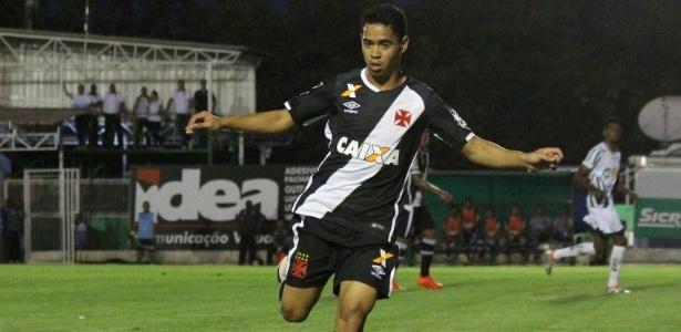 Yago Pikachu marcou seu primeiro gol com a camisa do Vasco