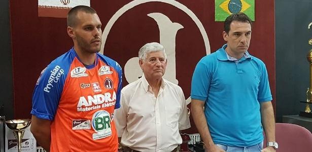 Deola (à esquerda) e Wilson Júnior (à direita) reforçam o Juventus em 2017