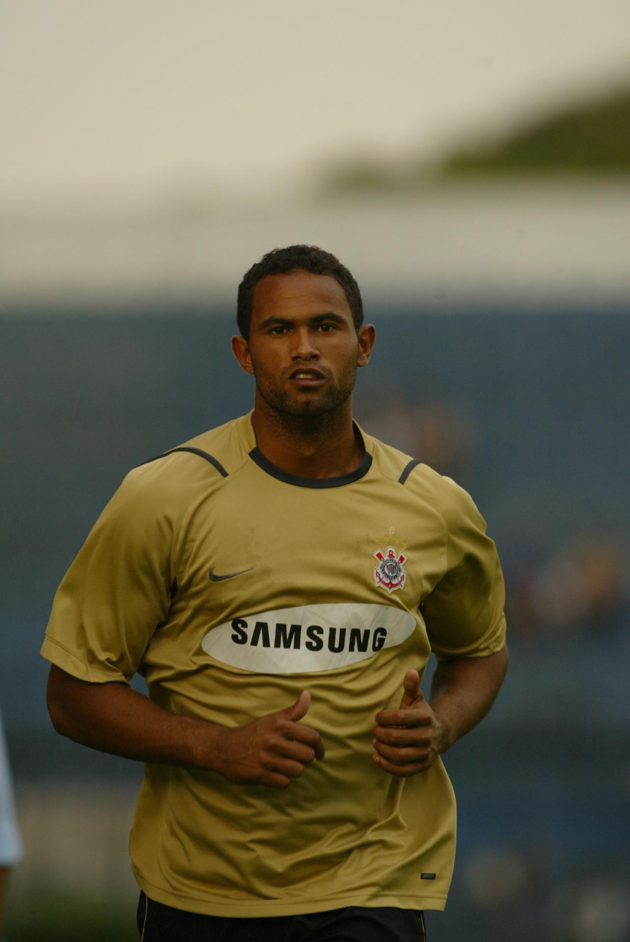 Goleiro Bruno Passou Dias No Corinthians Em 2006 E Deixou Clube Apos Acordo 20 03 2017 Uol Esporte