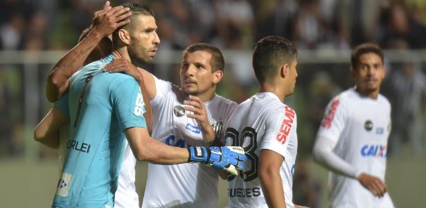 Vanderlei foi o destaque do Santos contra o Atlético-MG
