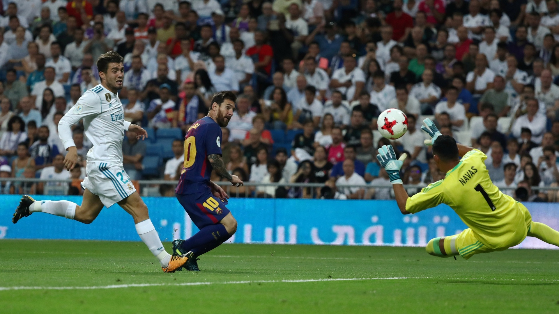 Messi perde gol diante de Keylor Navas em Real Madrid x Barcelona