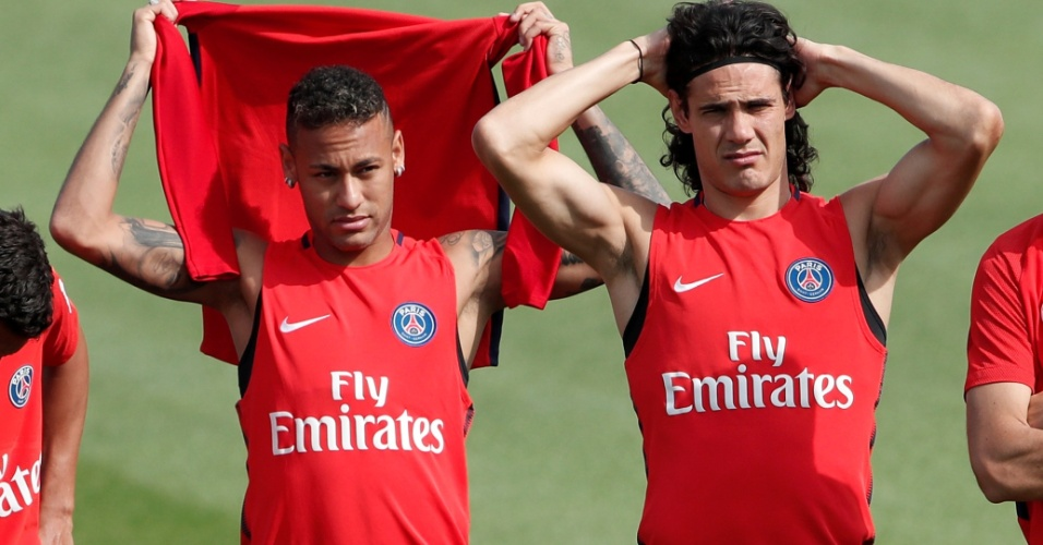 Neymar e Cavani participam de treino do Paris Saint-Germain