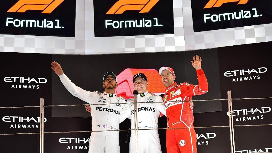 Fórmula 1 exibe novo logotipo no pódio do GP de Abu Dhabi - AFP PHOTO / GIUSEPPE CACACE