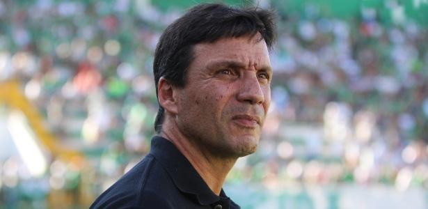 Técnico Zé Ricardo admitiu o interesse no meia-atacante Diego Souza