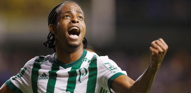 Keno fez o primeiro gol do Palmeiras na vitória sobre o Boca - REUTERS/Martin Acosta