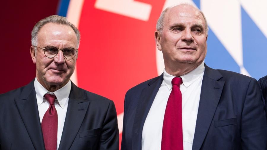Karl-Heinz Rummenigge (à esquerda) e Uli Hoeness, diretor e presidente do Bayern de Munique, respectivamente - EFE/ Lukas Barth