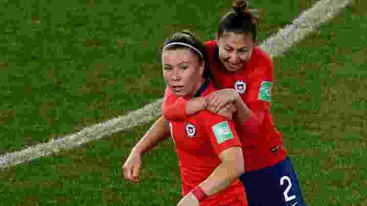 Jogadoras do Chile comemoram gol sobre a Tailândia  - Benoit Tessier/Reuters - Benoit Tessier/Reuters