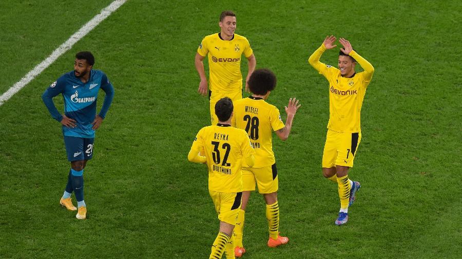 Axel Witsel comemora o segundo gol do Borussia Dortmund sobre o Zenit - OLGA MALTSEVA/AFP
