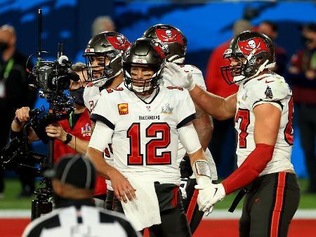 Super Bowl 55 Brady Leva Tampa Bay Buccaneers Ao Titulo Da Nfl