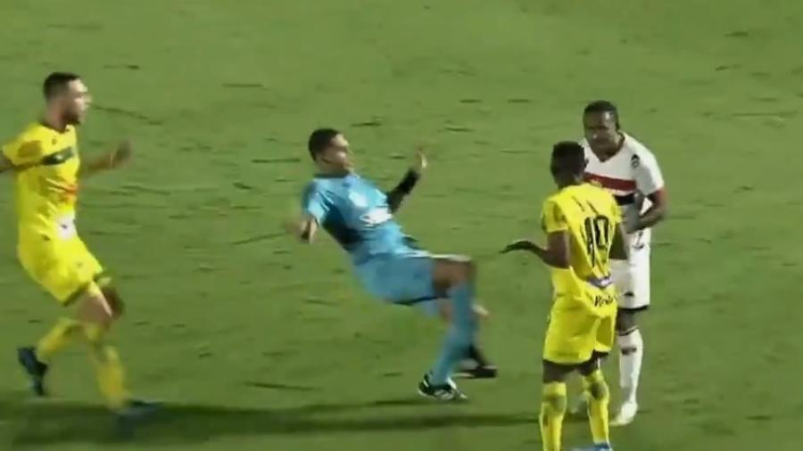 Flávio Roberto Mineiro Ribeiro protagonizou um momento curioso no duelo entre Mirassol e Botafogo-SP - Reprodução/Instagram