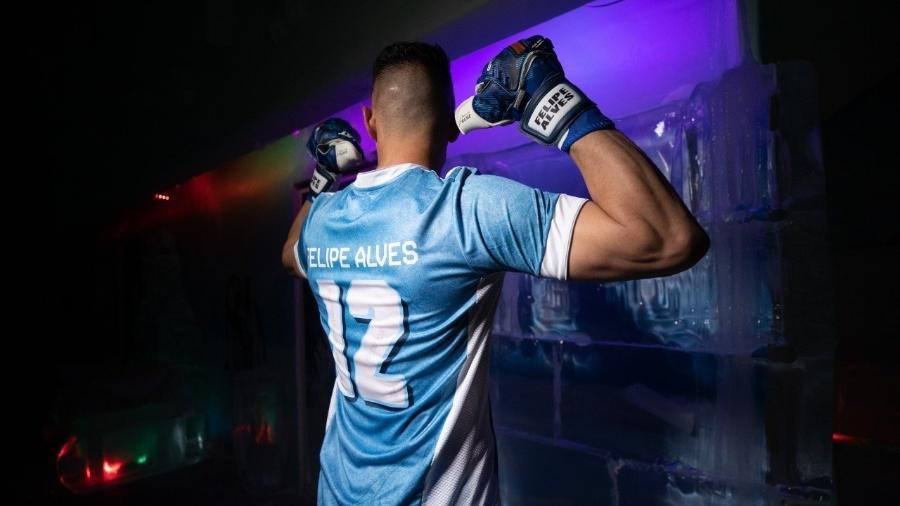 Fortaleza lançou camisa comemorativa para Felipe Alves com o número 12 - Gustavo Simão/Fortaleza