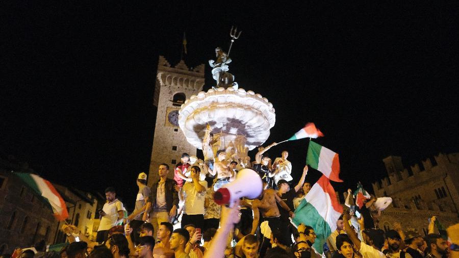 Italianos fazem festa em Trento após título da Eurocopa - Alessio Coser/Getty Images