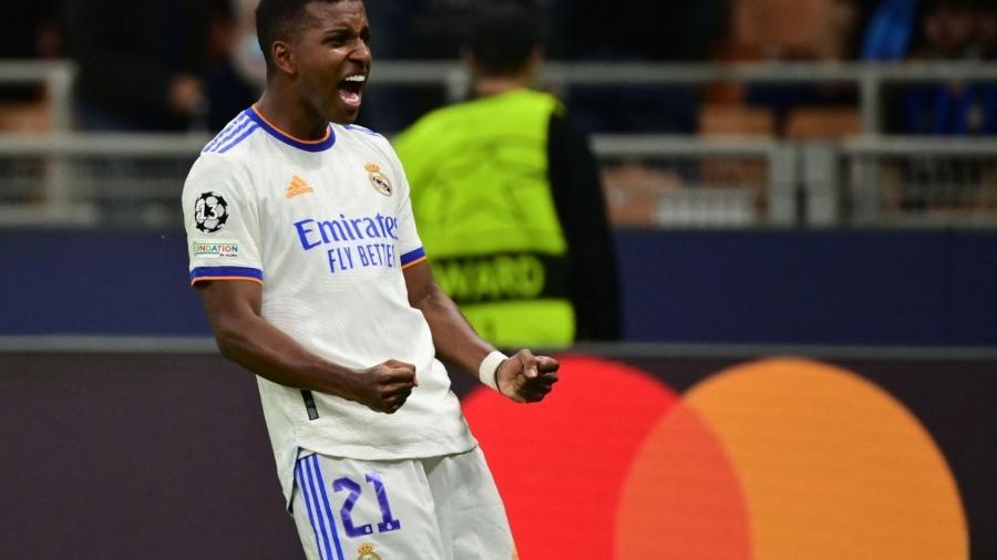 Rodrygo comemora gol marcado pelo Real Madrid na Liga dos Campeões contra a Inter de Milão - MIGUEL MEDINA / AFP