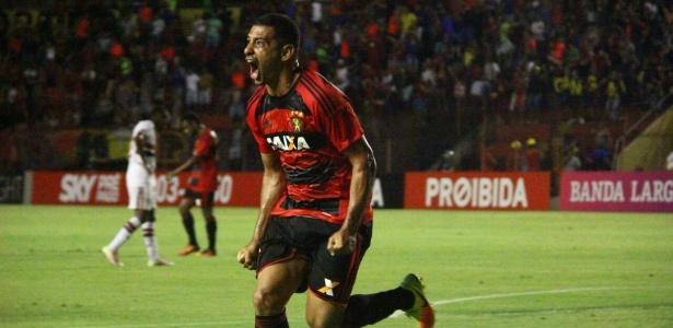 Diego Souza despertou interesse do Vasco