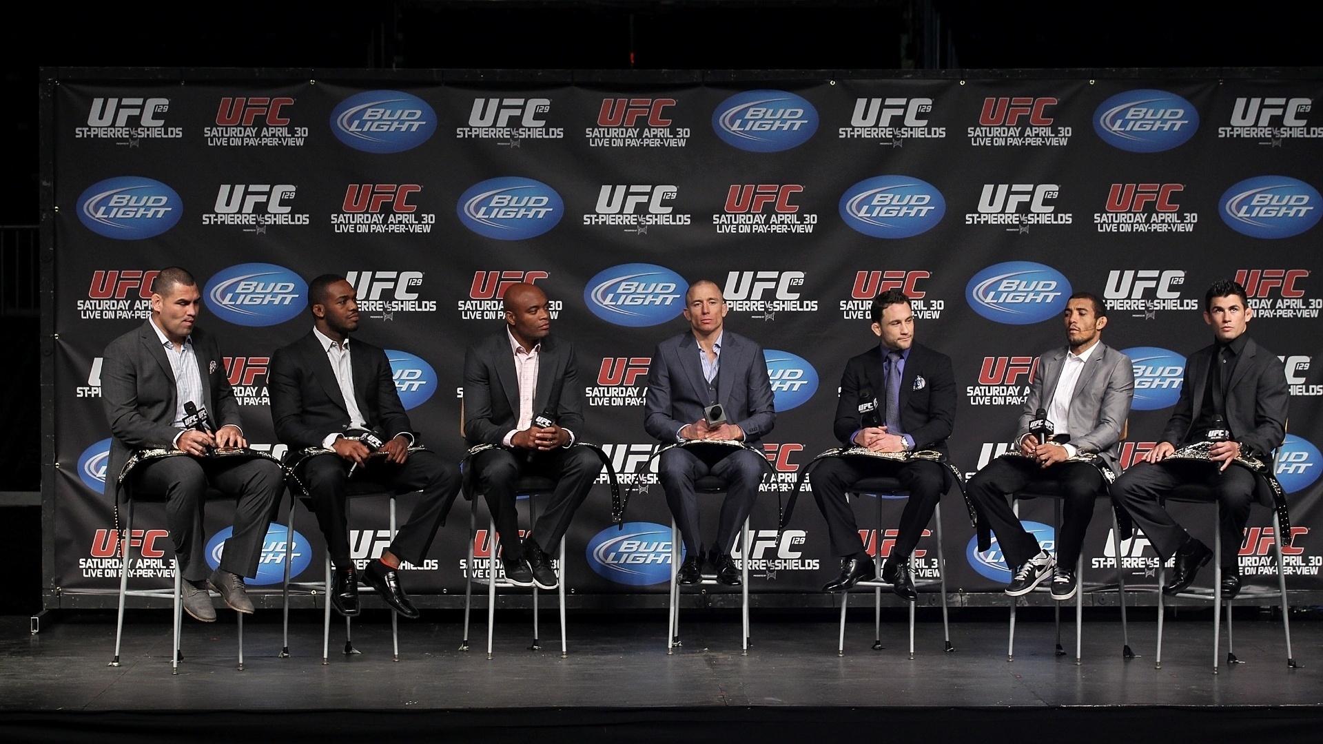 Tem bastante gente dessa foto que não está feliz com o UFC - Blog Na grade