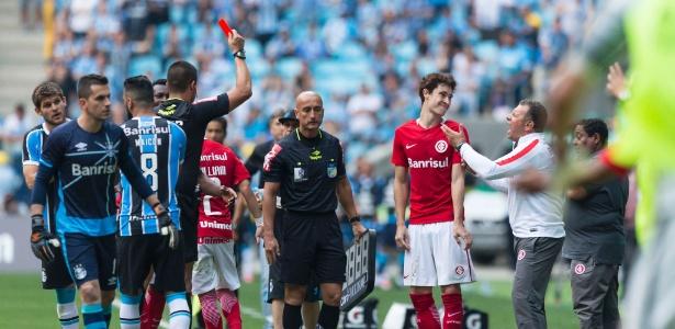Expulsão de Rodrigo Dourado gerou discussão
