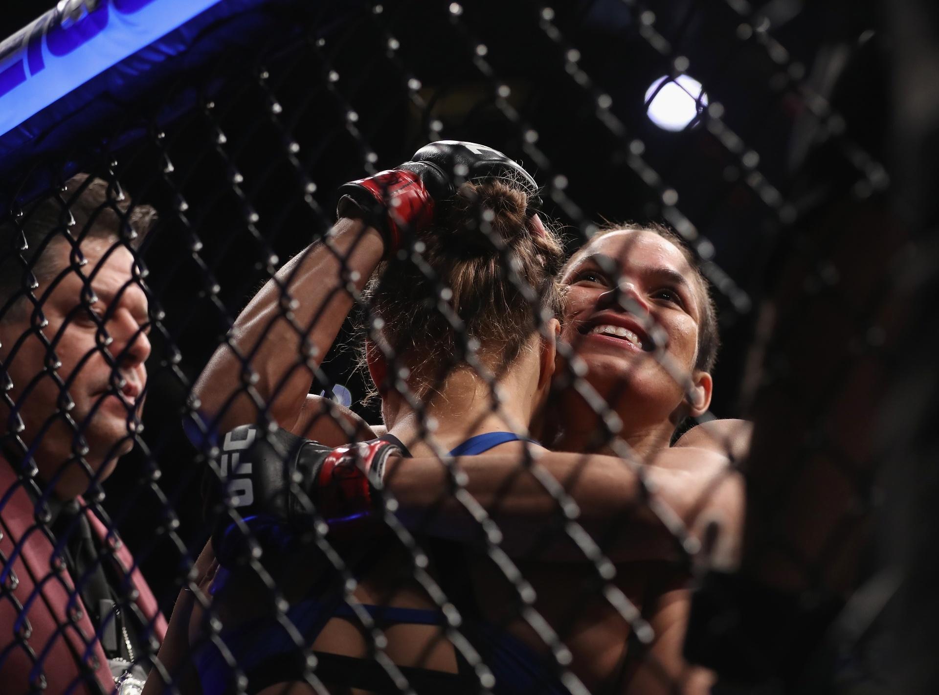 Especial - Amanda Nunes consola Ronda Rousey após sua vitória no UFC