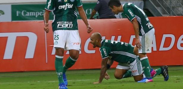 Felipe Melo imita pitbull ao comemorar gol do Palmeiras sobre o Mirassol