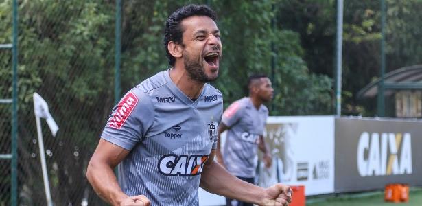 Fred treina com elenco do Atlético-MG e deve ficar à disposição de Roger Machado
