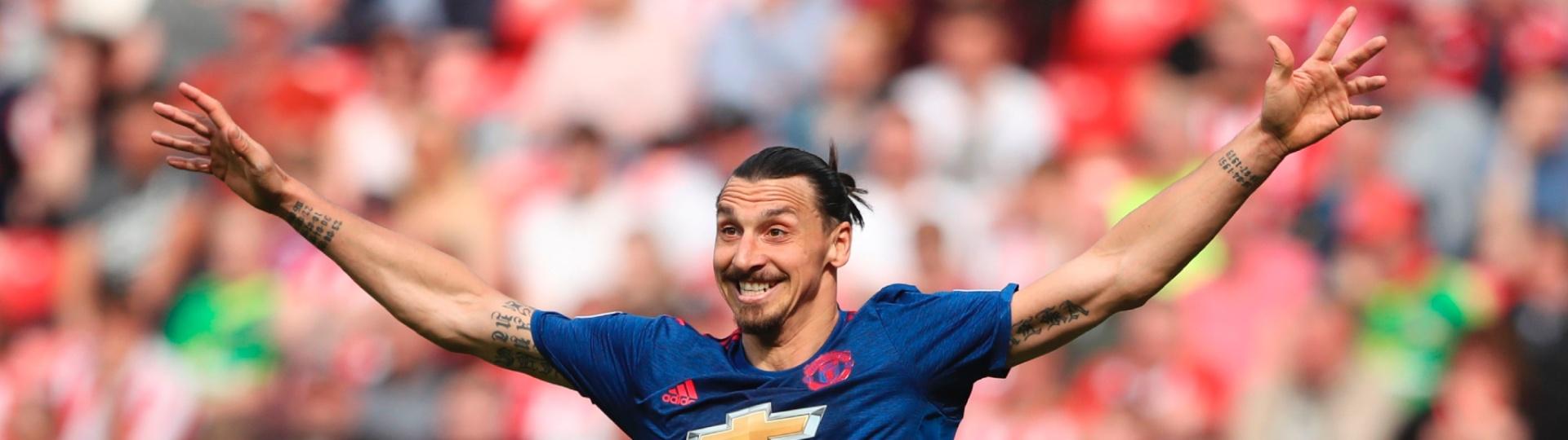Zlatan Ibrahimovic comemora gol marcado pelo Manchester United contra o Sunderland, pelo Camp. Inglês