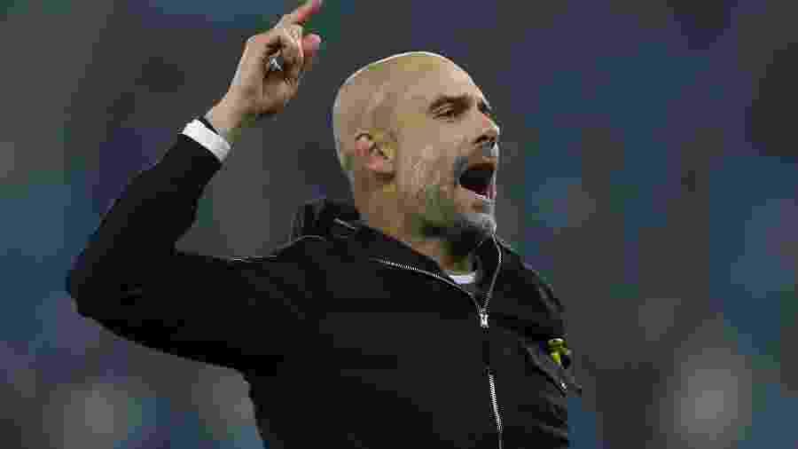 Guardiola durante jogo contra o Leicester City - Carl Recine/Reuters