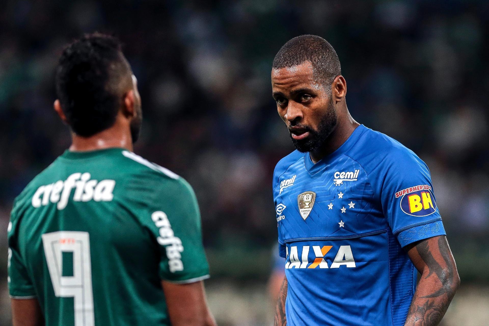 ec86dc790b Fla se acerta com o Cruzeiro e desiste de Dedé após compra de Arrascaeta -  09 01 2019 - UOL Esporte