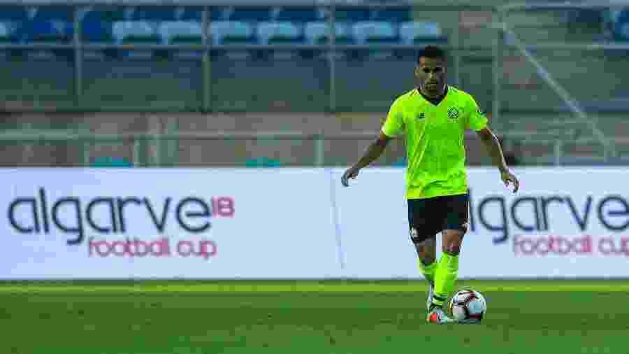 Thiago Maia em ação durante amistoso de pré-temporada do Lille contra o Porto. Jogador vai para o Flamengo - Carlos Rodrigues/Getty Images