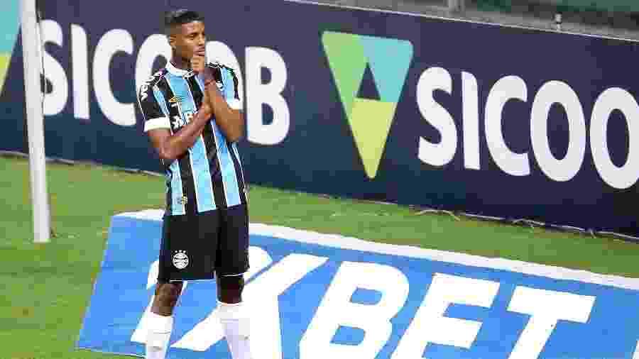 Jean Pyerre pode ficar fora da partida contra o Santos por lesão em treinamento - Pedro H. Tesch/AGIF