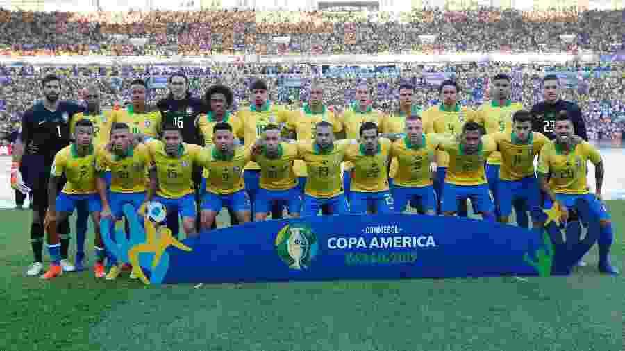 Seleção brasileira posa para foto antes da final da Copa América contra o Peru - Bruna Prado/Getty Images
