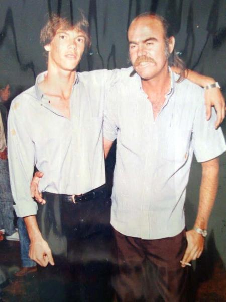 Antônio Carlos e seu Carlos, seu pai, que o incentivou a fazer as pazes com Edmundo - Arquivo pessoal