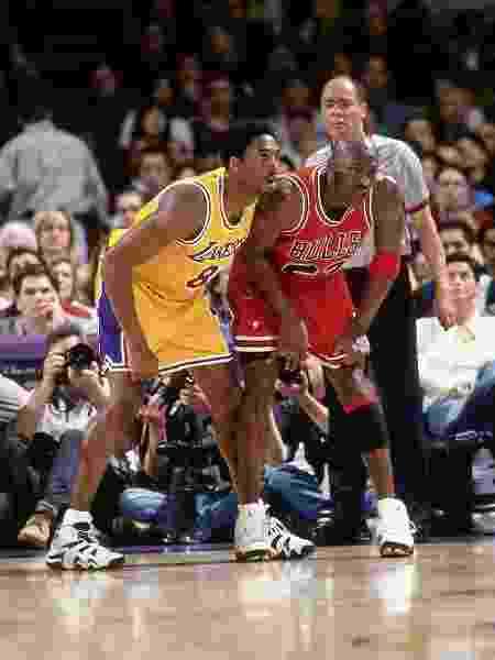 Bryant x Jordan, no dia 1º de fevereiro de 1998, em Los Angeles - Andrew D. Bernstein/NBAE via Getty Images