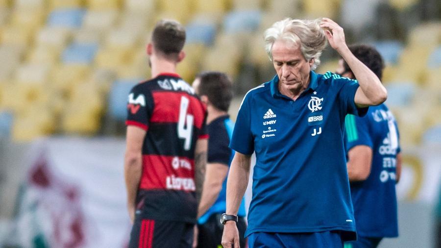 Técnico Jorge Jesus comanda Flamengo em jogo contra o Fluminense. Atuação do time foi questionada - Alexandre Vidal/Flamengo
